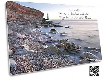 Christliche Postkarte: Felsenstrand mit Leuchtturm - Matthäus 28, 20