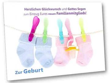 Christliche Geburtskarte: Babysöckchen auf Leine - Faltkarte zur Geburt