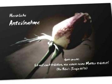 Trauerkarte mit Bibelvers, tröstlich, Motiv: Rosenknospe