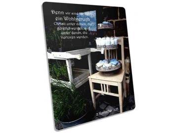 Christliche Postkarte: Antiker Stuhl mit Lavendel-Säckchen - Karte mit Bibelvers