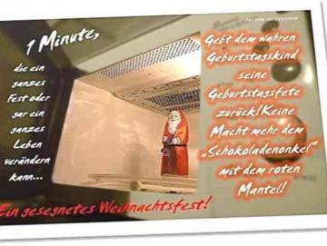 Christliche Weihnachtskarte: Schokoladenweihnachtsmann in Mikrowelle