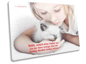 Christliche Postkarte Motiv: Mädchen mit Kätzchen