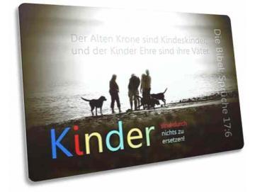 Christliche Postkarte: Spaziergänger mit Hunderudel