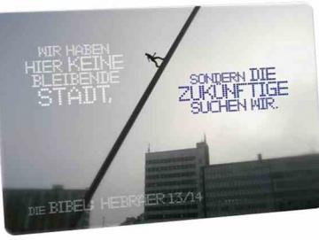 Christliche Postkarte: Skulptur - Der Himmelsstürmer - Hebräer 13,14