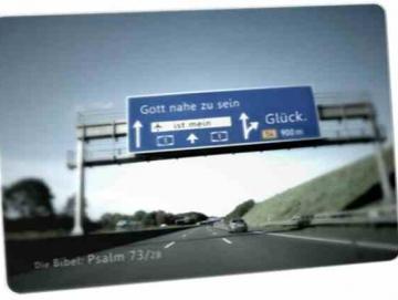 Christliche Postkarte: Autobahnschild