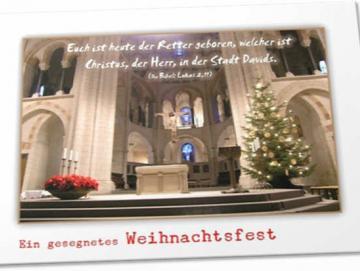 Christliche Weihnachtskarte: Geschmückter Altarraum