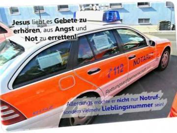 Christliche Postkarte: Notarzteinsatzfahrzeug