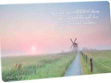Christliche Postkarte: Windmühle in Morgenstimmung - mit Psalmvers 37,5