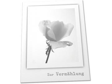 Christliche Hochzeitskarte: Rosenblüte in schwarzweiß
