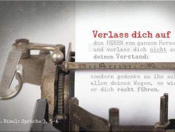 Christliches Poster A2 : Blatt Papier in antiker Schreibmaschine