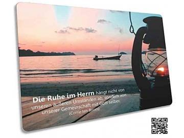 Christliche Postkarte: Petroleumlaterne am Meeresufer