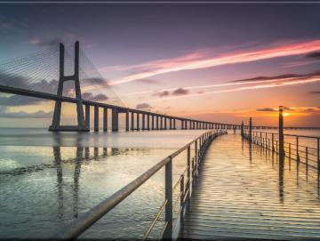 Leinwanddruck: Moderne Hängebrücke
