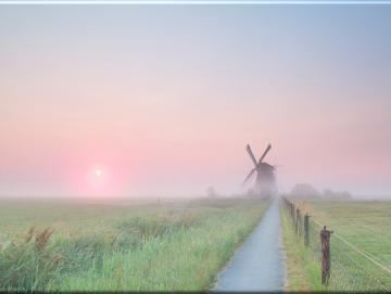 Leinwanddruck: Windmühle in Morgenstimmung